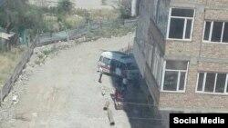 19-июлда Бишкекте жаңы курулуп жаткан үйдүн 9-кабатынан эки жумушчу кулап түшкөн.