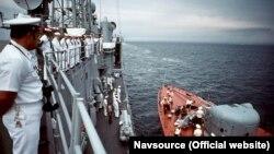 Американьскі кораблі заходять в Севастополь. Серпень 1989 року
