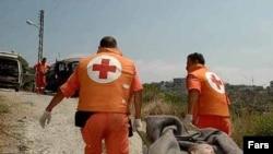 به گفته يک منبع فلسطينی، در اين درگيری حداقل ۱۵ نفر از پناهندگان یک کمپ فلسطینی مجروح شده اند.