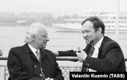 Члены жюри V Международного конкурса имени Чайковского Сергей Доренский (справа) и бельгиец Эжен Трей (слева), 1974 год