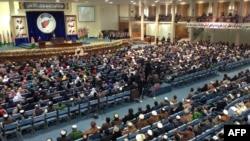 Участники общенационального афганского собрания Лойя-джирга. Кабул, 21 ноября 2013 года.