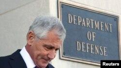 Министр обороны США Чак Хейгел покидает Пентагон