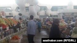 Aşgabat. Rus bazary. Arhiw suraty