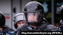 Российский омоновец.