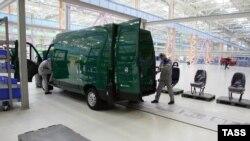 Производство автомобилей на заводе в особой экономической зоне (ОЭЗ) в России в Татарстане.