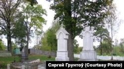 Склепы на цьвінтары касьцёла ў Шарашове