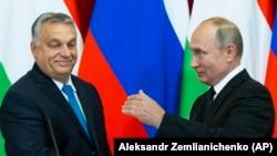 """Виктор Орбан и Владимир Путин, два видных """"нелиберальных демократа"""""""