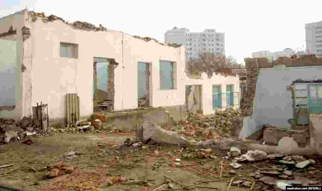 Ашғабатта биліктің ешкімге ескертпестен тұрғын үйлерді сүріп тастауы бұған дейін де болған