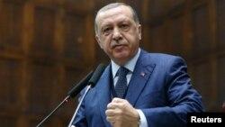 Режеп Ердоған Түркия парламентінде сөйлеп тұр. Анкара, 14 маусым 2017 жыл.