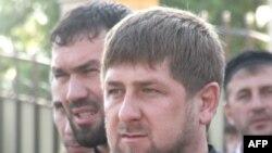 Глава Чечни Рамзан Кадыров (на переднем плане) и спикер парламента Чечни Магомед Даудов