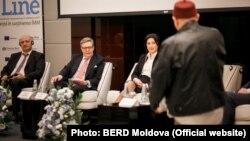 Dmitri Gvindadze, (BERD) bureau, Pirkka Tapiola și Elena Guzun (Foto: BERD Moldova)