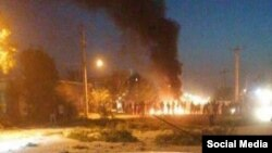 Images of protests said to be in Ahvaz were shared on social media.
