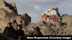 Иван Вырыпаев с женой, Каролиной Грушкой