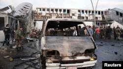 Место взрыва бомбы на автобусной остановке в окрестностях Дамаска, ноябрь 2013 года. Иллюстративное фото.