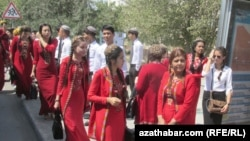 Школьники, Ашхабад