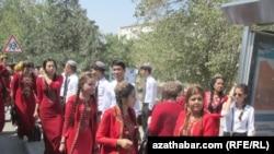 Aşgabat, studentler