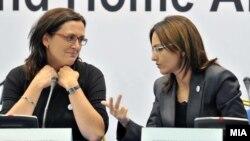 Сесилија Малстром еврокомесар за внатрешни работи и министерката за внатрешни работи Гордана Јанкуловска