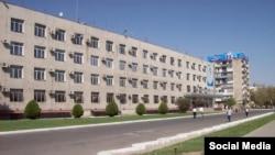 """Бинои марказии """"Агроинвестбонк"""" дар шаҳри Душанбе."""
