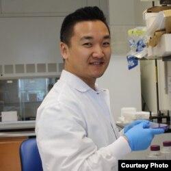 Казахстанский биотехнолог Юрий Ким, занимающийся исследованиями в области молекулярной вирусологии в США.