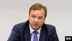 Премиерот Емил Димитриев