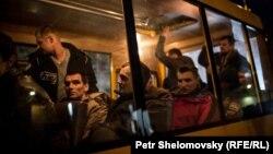 Донецк и Киев производят обмен военнопленными. 6 апреля 2015