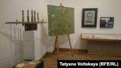 Экспозиция выставки в музее Анны Ахматовой