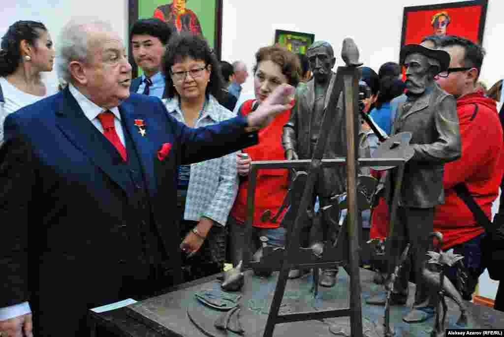 Зураб Церетели рассказывает о скульптуре «Пиросмани и Руссо».