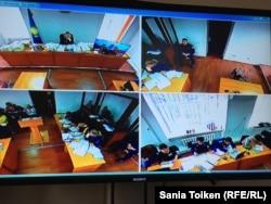 Фото с монитора в ходе судебного процесса по делу гражданских активистов Макса Бокаева и Талгата Аяна. Атырау, 18 ноября 2016 года.