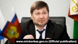 Одес Байсултанов на встрече с Рамзаном Кадыровым решал вопросы социального характера