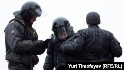 Проверка документов на улицах Москвы