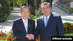 Tajikistan - President Rahmon of Tajikistan met with UN General Secretary Pan Gi-Moon, Dushanbe, 05Apr2010