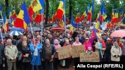 La Chișinău a avut loc un nou protest împotriva schimbării sistemului electoral