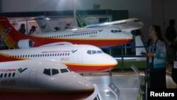ماکتهایی از هواپیمای کوماک چین