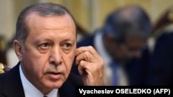 """""""""""Маарифтин"""" мектептери Түркиянын расмий идеологиясына ыктайт"""""""