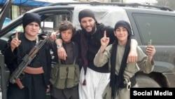 Фотография из сети «Одноклассники» предположительно граждан Таджикистана, участвующих в военных действиях в Сирии.