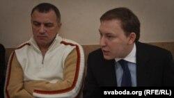 Андрэй Дзьмітрыеў (справа) ў часе пасяджэньня камітэту