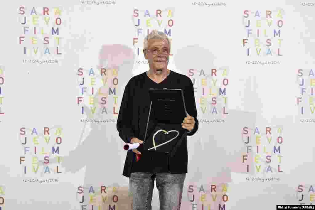 """Najboljim glumcem proglašen je Gheorghe Visu za ulogu u filmu """"Psi""""."""