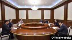 Жаҳон банки мутасаддилари президент Мирзиëев билан учрашувда.
