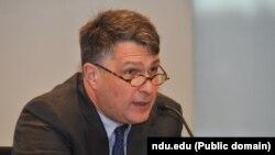 Директор программы российских и евразийских исследований Центра Карнеги в Вашингтоне Евгений Румер