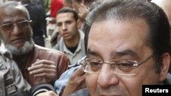 Айман Нур, оппозиционный политик, выступает на митинге на площади Тахрир. Каир, 1 февраля 2011 года.