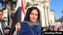 الفنانة المصرية تيسير فهمي تشارك في الإحتجاجات ضد الرئيس محمد مرسي