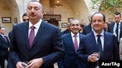 Fransa prezidenti Francois Hollande (sağda) azərbaycanlı həmkarı İlham Əliyevlə, Bakı, 11 may 2014