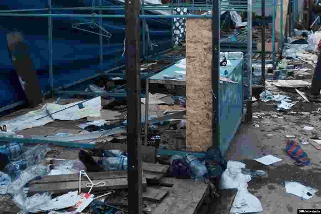 Перша спроба знесення ринку на вулиці Козлова в Сімферополі. Липень 2015 року
