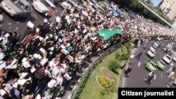 اعتراضها در ایران، اسراییلی ها را در باره تصویری که تاکنون از این کشور داشتند دچار تردید کرده است.
