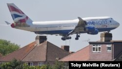 A British Airways Boeing 747 comes in to land at Heathrow Airport in London (file photo).