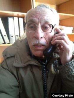 Олег Евлоевтің әкесі Исса Евлоев. Астана, 4 ақпан 2014 жыл.