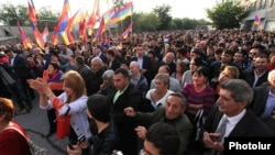 Armenia - Residents of Ararat attend an opposition rally, 3Oct2014.