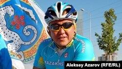 Бизнесмен Нурлан Смагулов также принял участие в велопробеге.