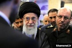 حسین دهقان و علی خامنهای