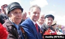 Александр Волков (в центре), бывший руководитель Удмуртии
